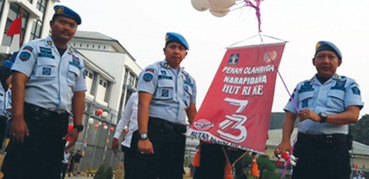 BUKA: Kepala Rutan Kelas IIB Kota Depok, Sohibur Rachman secara seremonial membuka perhelatan Porsenap 2018, kemarin. Ricky/Radar Depok