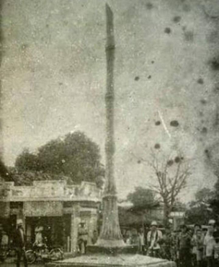 Tugu Bambu Warung Bongkok
