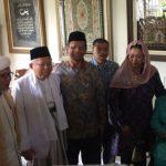 Bertemu di rumah Gus Dur Maruf Amin dan Mahfud MD berpelukan