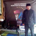 SIAP TAHLILAN : Ketua Bobotoh Fiisabiilillah Kabupaten Purwakarta Moh. Idris Wikarso siap menggelar tahlilan. Gani/Radar Karawang