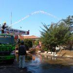 Bongkar Muat di Pelabuhan CirebonBongkar Muat di Pelabuhan Cirebon