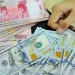 Ilustrasi Dolar AS dan Rupiah