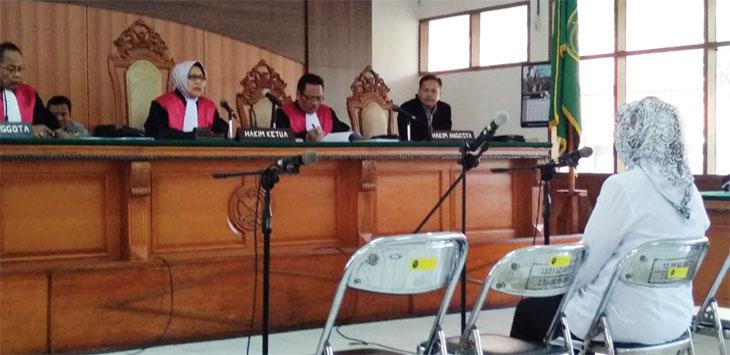 SIDANG: Mantan Bupati Subang, Imas Aryumningsih divonis hukuman bui selama 6,5 tahun penjara. AZIS ZULKHAIRIL/RADAR BANDUNG