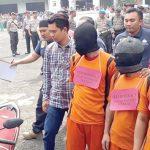 ekonstruksi perkara pengeroyokan mengungkap penyebab kematian AW (18), mahasiswi asal warga Kampung Cilangla, Desa Cireunghas.