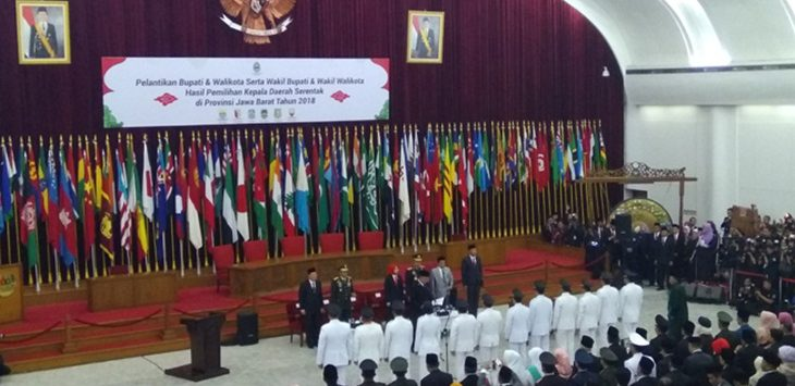 Pelantikan 6 Kepala daerah di Gedung Merdeka, Bandung, Kamis (20/9/2018)