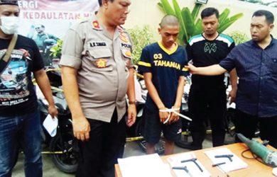 DIAMANKAN: Pelaku pencurian motor diamankan Polsek Bojong Gede, selasa (25/09/18). Irwan/Radar Depok