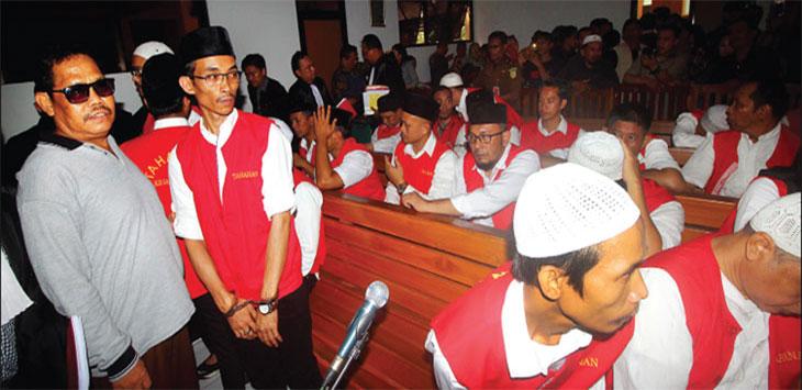 SIDANG PANDAWA: Terdakwa pemimpin Koperasi Simpan Pinjam (KSP) Pandawa Salman Nuryanto saat menjalani sidang di Pengadilan Negeri Kota Depok, beberapa waktu lalu. Ahmad Fachry/Radar Depok