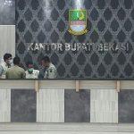 KPK geledah Kantor Bupati Bekasi. Foto : Enriko/Pojokjabar