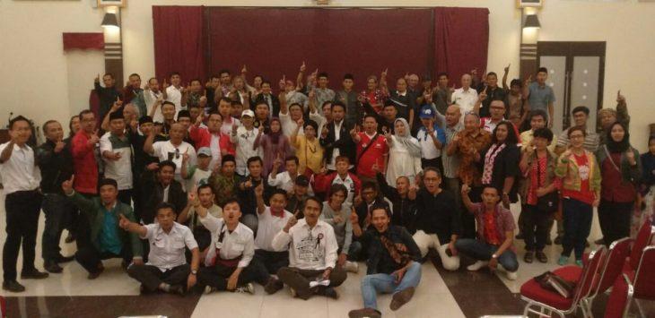 Para pengurus Ekopontren Jawa Barat saat berfoto bersama, siap menangkan Jokowi - Ma'ruf Amin