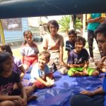 Anak-anak korban gempa bersama relawan Bogor.