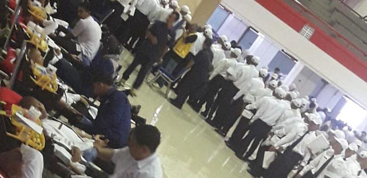 Antrian semangat Praja IPDN untuk berbagi setetes darah untuk Indonesia pada Sabtu, 27 Oktober 2018 di IPDN Jatinangor. Istimewa