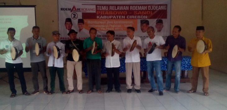 Relawan Rumah Djoeang saat deklarasi memenangkan Prabowo-Sandi. Dkw/pojokjabar.com