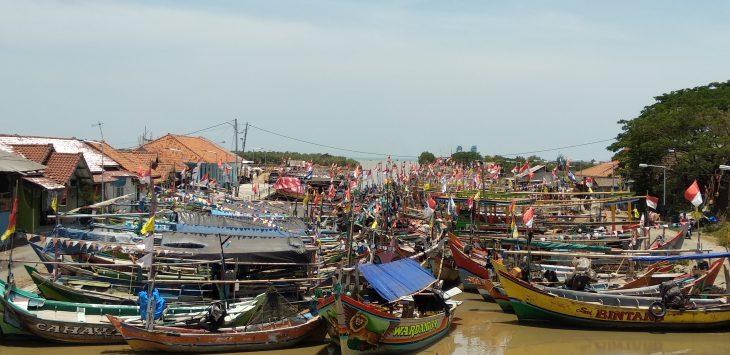Perahu-perahu milik nelayan Desa Sunan Gunung Jati. Lokasi ini dulu pernah berdiri pelabuhan bernama Muara Jati. Alwi/pojokjabar.com