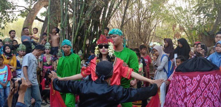 Tari Sintren yang digelar pada acara Jagakali Art Internasional. Alwi/pojokjabar.com