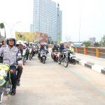 Wali Kota Bekasi Rahmat Effendi bersama jajaran saat meninjau bakal Jalan Candrabaga. (ist)