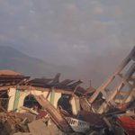 Masjid runtuh akibat gempa dan tsunami