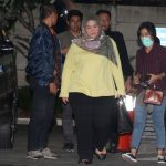 Bupati Neneng Yasin saat tiba di KPK. (ist)