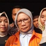 Ratna Sarumpaet Baju Oranye