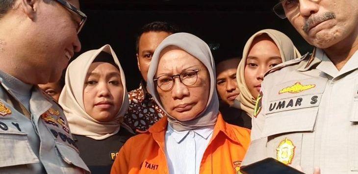 Ratna Sarumpaet Berbaju Oranye./Foto: ps