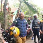 Pepen saat meninjau sejumlah tempat di Mustika Jaya (ist)