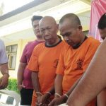 TERTUNDUK: Ketiga tersangka penipuan bermodus bisa menggandakan uang berhasil diamankan jajaran Polres Sukabumi setelah sebelumnya mendapat laporan dari salah satu korbannya.