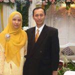 Foto Dufi Abdulllah semasa hidup bersama istrinya. (facebook)