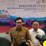 Direktur Kapal Perikanan dan Alat Penangkapan Ikan KKP, Agus Suherman (kanan) dan Anggota Komisi IV DPR RI Ono Surono (kiri).