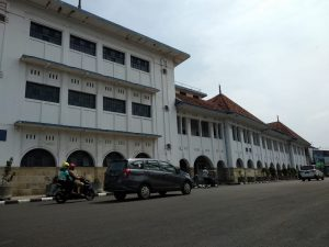 Gedung BAT di wilayah Cangkol Kota Cirebon. (alwi)