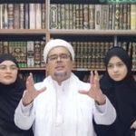 Habib Rizieq Shihab diapit istri dan anaknya di Arab Saudi