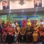 Bunda Literasi Kabupaten Bekasi foto bersama Bunda Literasi se-Jawa Barat. Foto : Istimewa