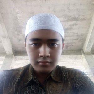 Instruktur pramugari Denny Maulana