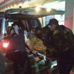 Korban saat hendak dibawa ke RS Polri Kramat Jati. (ist)