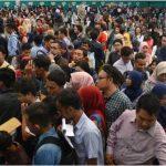 Para Pencari Kerja di Purwakarta