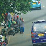 SUDAH TAK BERFUNGSI : Salah satu jalur sepeda yang saat ini sudah tak berfungsi seutuhnya di kawasan Jalan Margonda Raya, Kamis (29/11/18). Ahmad Fachry/Radar Depok