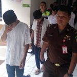 SIDANG: Kelima terdakwa pengeroyokan suporter Persija Jakarta saat akan menjalani sidang pledoi di Pengadilan Negeri Bandung, Senin (5/11/18).