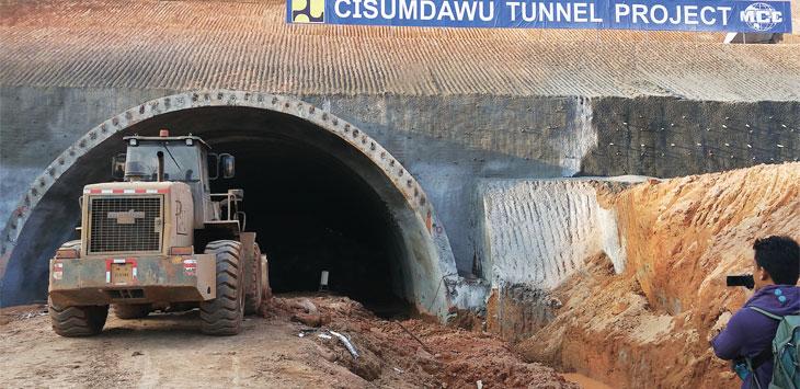 ILUSTRASI TOL: Pemkab Sumedang membentuk tim terpadu dalam mengatasi percepatan pembangunan tol Cisumdawu. TOHA HAMDANI/RADAR SUMEDANG