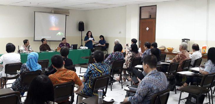 Peserta seminar lokakarya Universitas Kristen Maranatha.