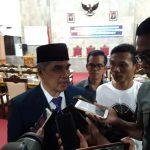 Pj Bupati Cirebon Dicky Saromi usai hadiri rapat patipurna istimewa DPRD Kabupaten Cirebon, Senin (19/11/2018)./Foto: Kirno