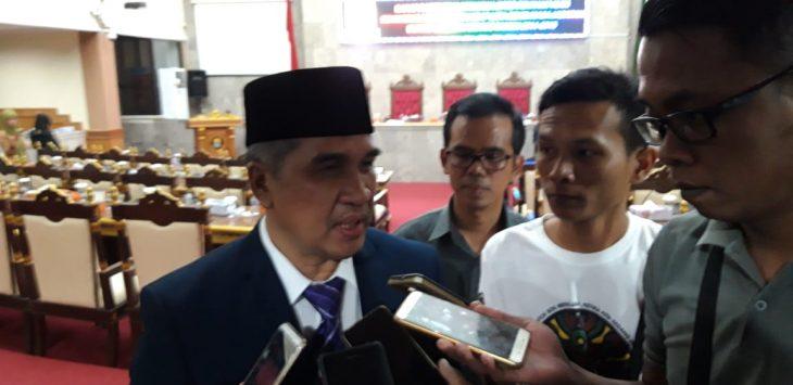 Pj Bupati Cirebon Dicky Saromi usai hadiri rapat paripurna istimewa DPRD Kabupaten Cirebon, Senin (19/11/2018)./Foto: Kirno