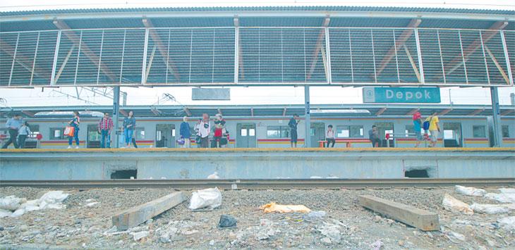 MASIH PROSEL AWAL : Lokasi yang akan dibuat underpass atau terowongan untuk para pengguna KRL Commuter Line di Stasiun Depok, Senin (5/11/18). Ahmad Fachry/Radar Depok