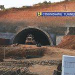 MOLOR LAGI: Penyelesaian Tol Cisumdawu dipastikan molor kembali dari target sebelumnya karena masalah pembebasan lahan. Toha Hamdani/Radar Sumedang