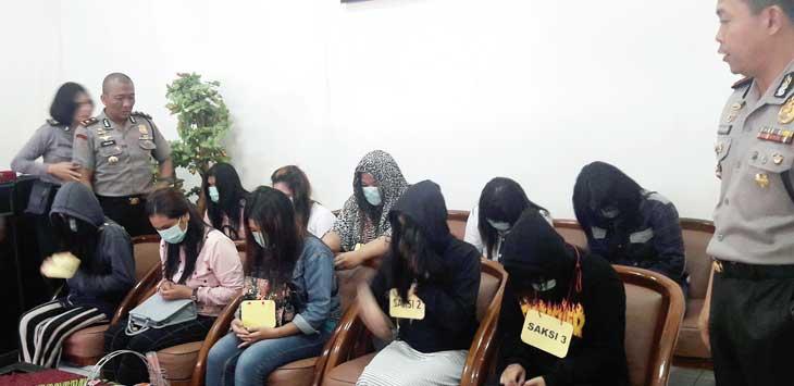 Tim Cyber Polres Sukabumi Kota berhasil membongkar jaringan prostitusi online yang dilakukan via media sosial twitter.