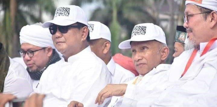 Prabowo Subianto dan Amien Rais di reuni 212 kenakan topi tauhid