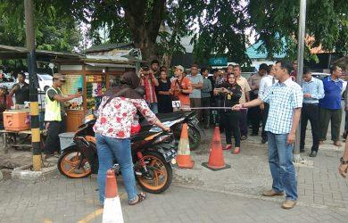 Adegan Pembunuhan Ruhyatun di Jalan Raya ByPass Sunyaragi, Rabu (12/12/2018)./Foto: Kirno