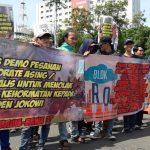 Aksi Tolak Gelar Kehormatan Jokowi, Istana Negara, Jumat (14/12/2018)./Foto: Firdausi