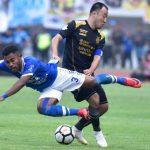 TEKEL: Bek sayap Persib Bandung, Ardi Idrus dinobatkan menjadi pemain yang sukses melakukan tekel di sepanjang musim 2018. Istimewa
