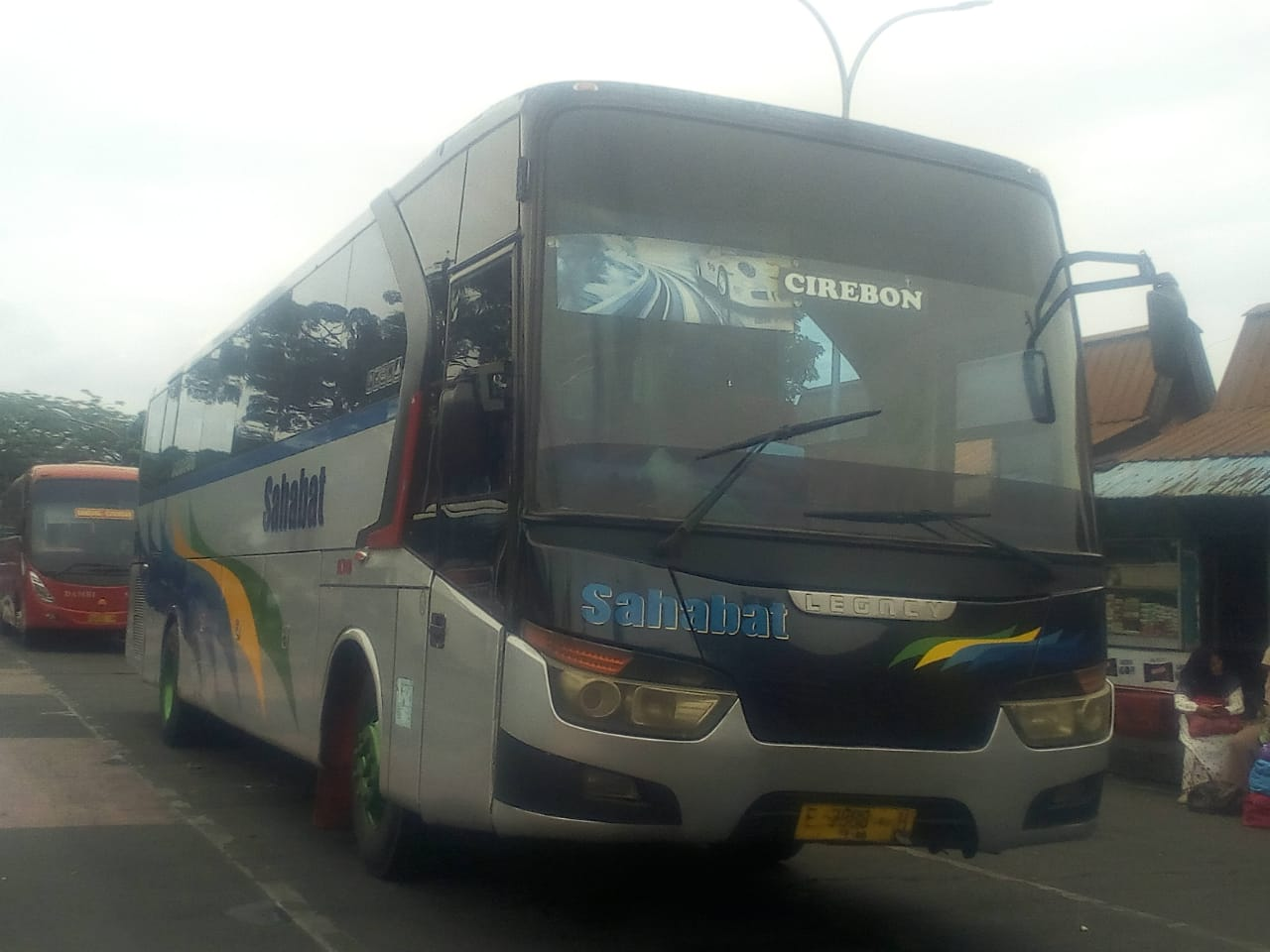 Bus di Terminal Cicaheum batal berangkat ke Cirebon, Rabu (26/12/2018)./Foto: Arief