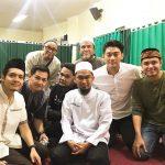 Ifan Seventeen bersama Ustad Adi Hidayat dan beberapa artis lain (Instgram)