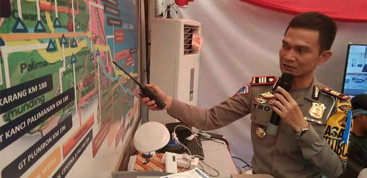 AKP Akmat Troy  Aprio Kasatlantas Polres Cirebon jelaskan pengalian arus pada malam tahun baru (Kir/pojokjabar.com)