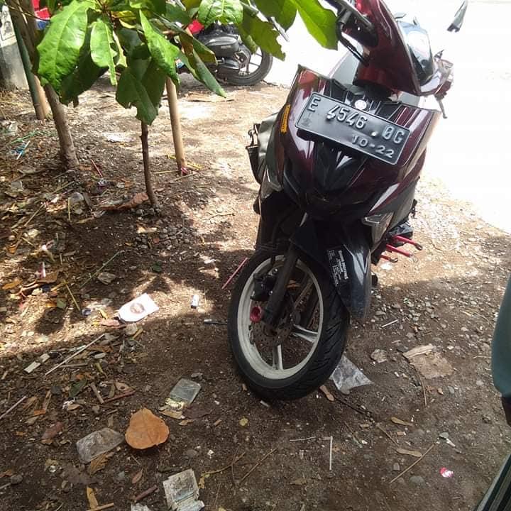 Motor korban kecelakaan berujung maut di Cirebon, Minggu (9/12/2018)./Foto: Istimewa